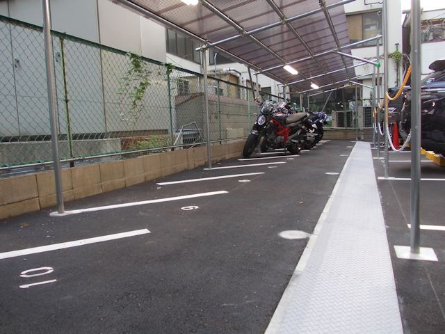 大阪市浪速区桜川1-1-30 桜川バイクパーキング -03